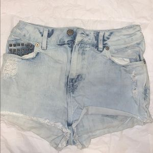 Divided | H&M | Distressed Studded Jean Shorts